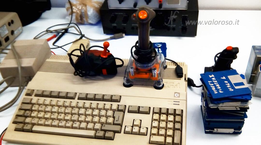Acquisto Amiga 500 su Facebook Marketplace, joystick alimentatore modulatore dischetti