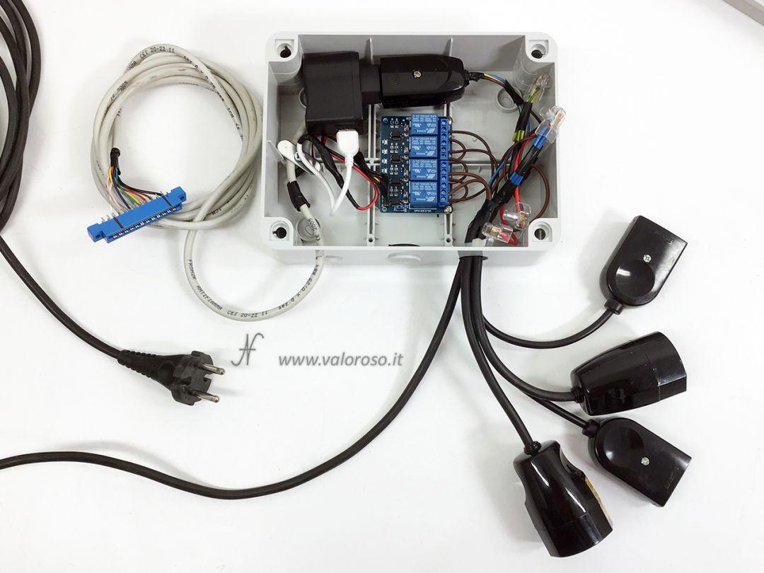 Albero di Natale interfaccia Commodore 64 user port spine prese relay fotoaccoppiatori, comandare prese, lampade, luci di Natale collegate al Commodore 64, alimentatore 5V USB, user port, connettore tipo 3,96mm edge a 24 poli