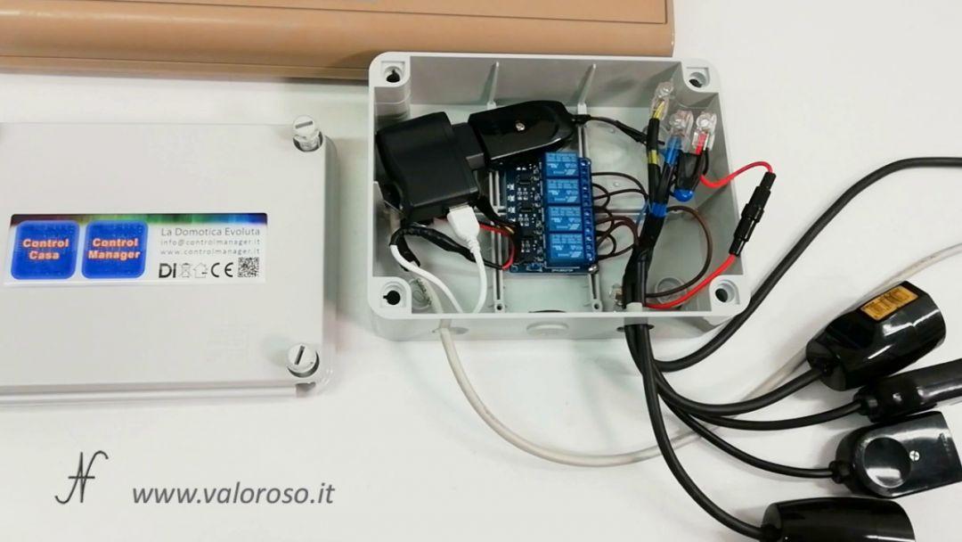 Albero di Natale interfaccia Commodore 64 user port spine prese relay fotoaccoppiatori, comandare prese, lampade, luci di Natale collegate al Commodore 64