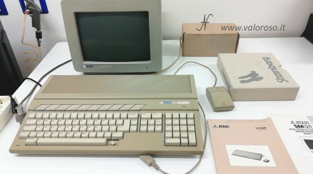 Atari 1040 ST F Atari SM124 retro computer monitor mouse Steinberg PRO-24 Cubase manual as a gift