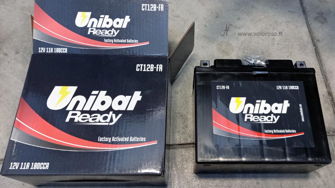 Come cambiare la batteria alla moto, batteria piombo 12V senza manutenzione Unibat Ready 12V CT12B-FA 11A 180CCA factory activated batteries