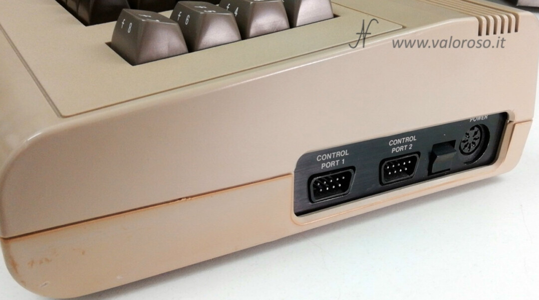 Come riaccendere il Commodore 64 porte joystick control port, power interruttore alimentazione