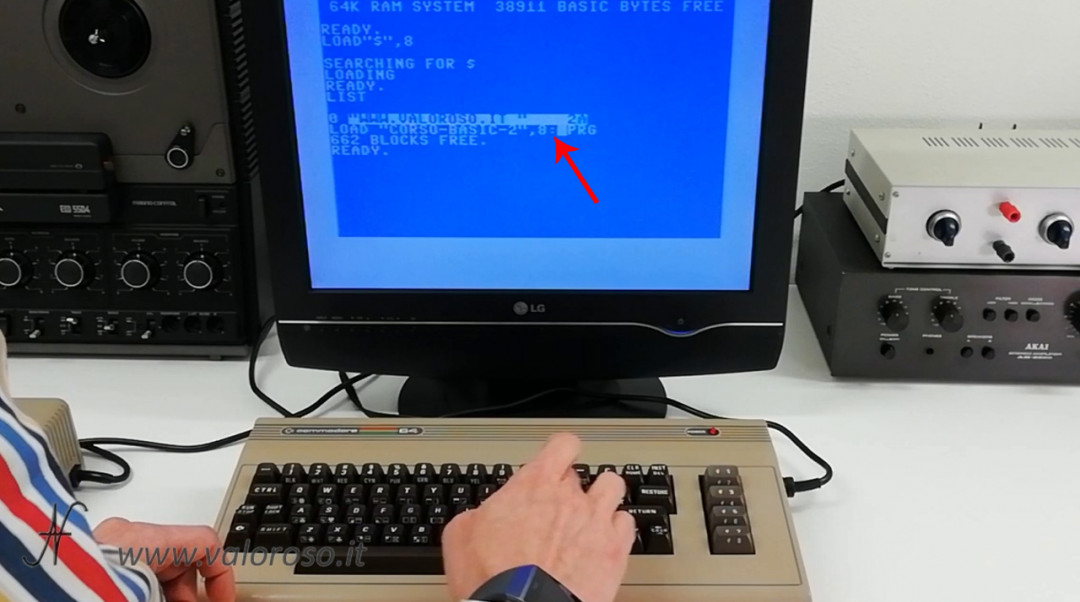 Corso programmazione Basic Commodore 2, caricare un file da Kung Fu Flash cartuccia LOAD, due punti