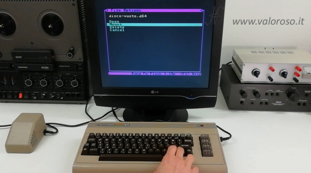 Corso programmazione Basic Commodore 2, montare un disco D64 virtuale Kung Fu Flash, immagine disco virtuale, MOUNT