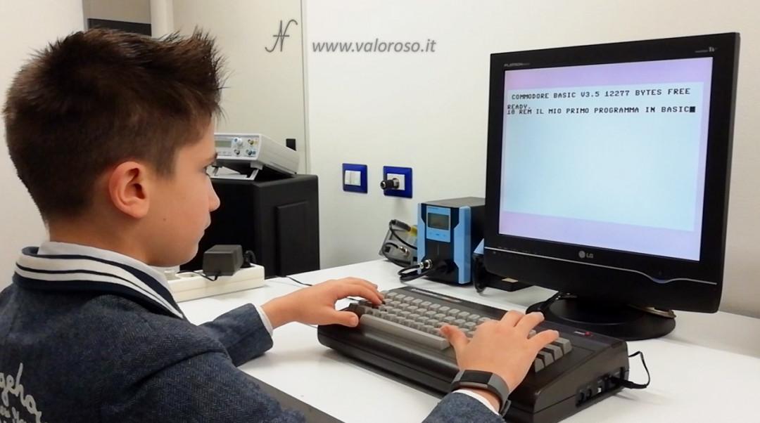 Corso programmazione Basic Commodore per bambini, C16 Commodore 16 gratis gratuito video, Hello World