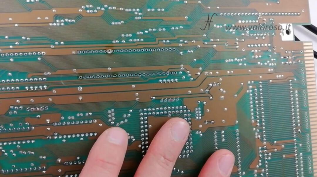 Dissaldare rimuovere togliere zoccolo integrato chip PCB circuito stampato pin saldati piedini