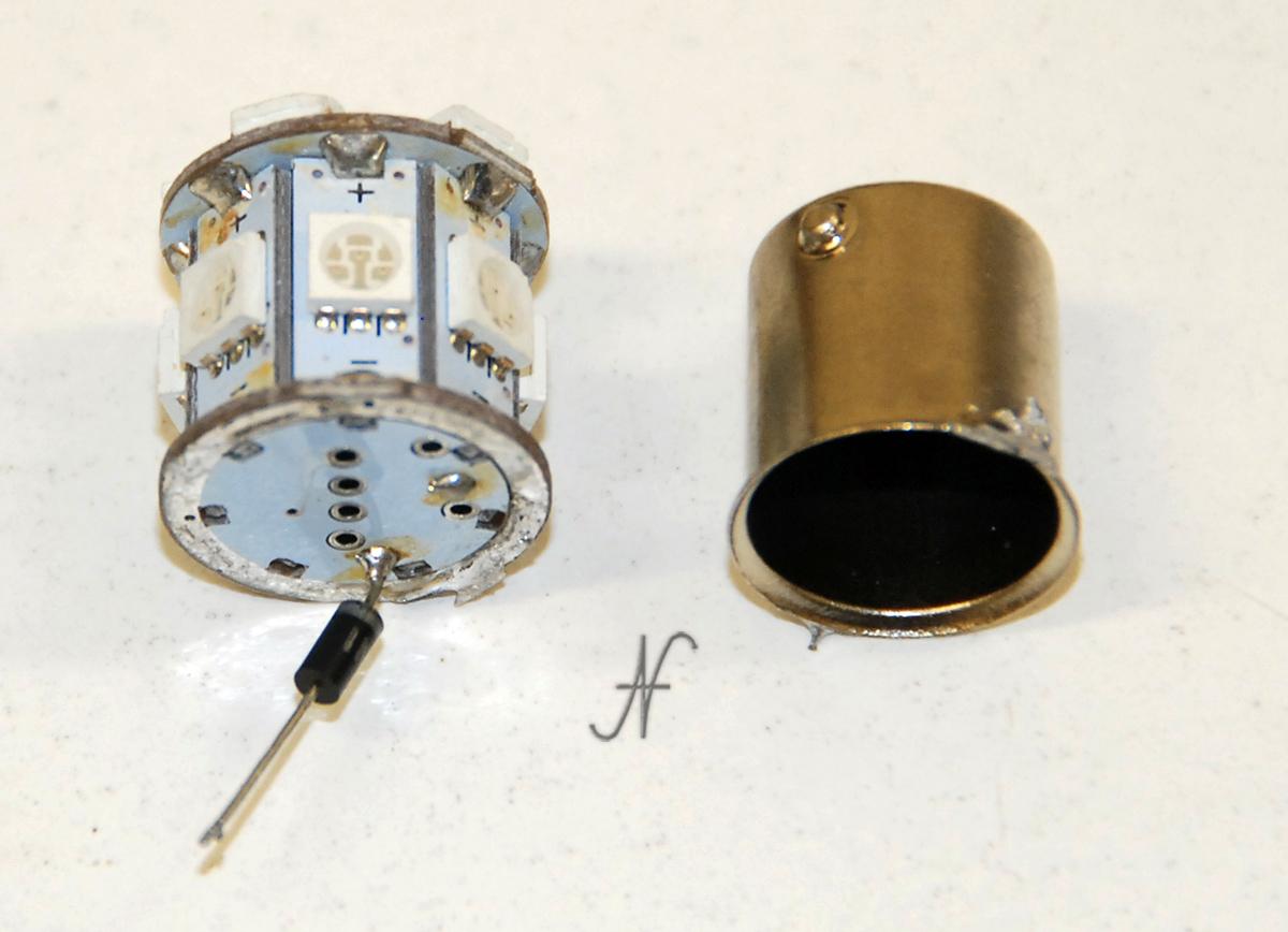 Lampadina a LED difettosa, ambra, arancione, indicatore direzione, freccia, BA15S baionetta, difettosa