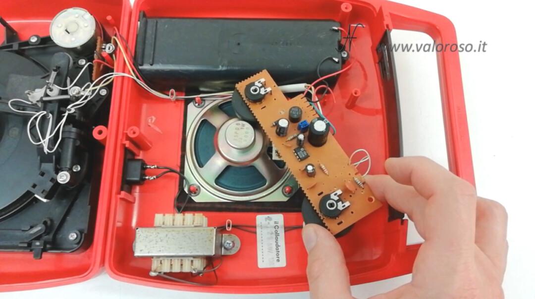 Mangiadischi Penny MusicalNastro MusicalSound interno amplificatore scheda TBA820M condensatori trimmer volume tono amplificatore mono 1W
