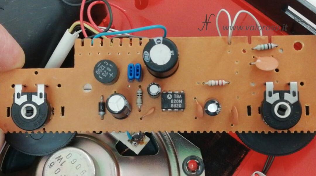 Mangiadischi Penny MusicalNastro MusicalSound interno amplificatore scheda TBA820M trimmer volume tono