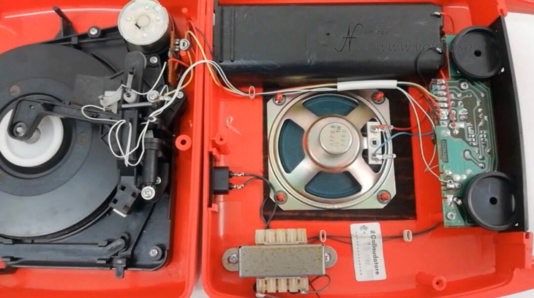 Mangiadischi Penny MusicalNastro MusicalSound pulire smontare aprire interno meccanica trasformatore altoparlante amplificatore motore puntina testina
