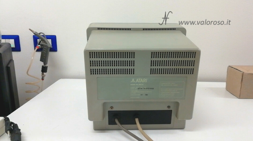 Monitor Atari SM124 back power video cable