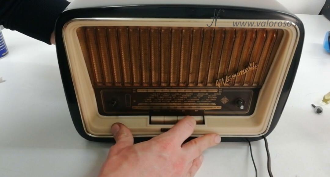 Radio a valvole Telefunken Mignonette MF R210, valvolare radio epoca vintage, inserimento telaio riparazione restauro scala parlante selettore banda