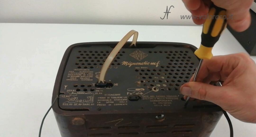 Radio a valvole Telefunken Mignonette MF R210, valvolare radio epoca vintage, montare mettere schienale pannello posteriore