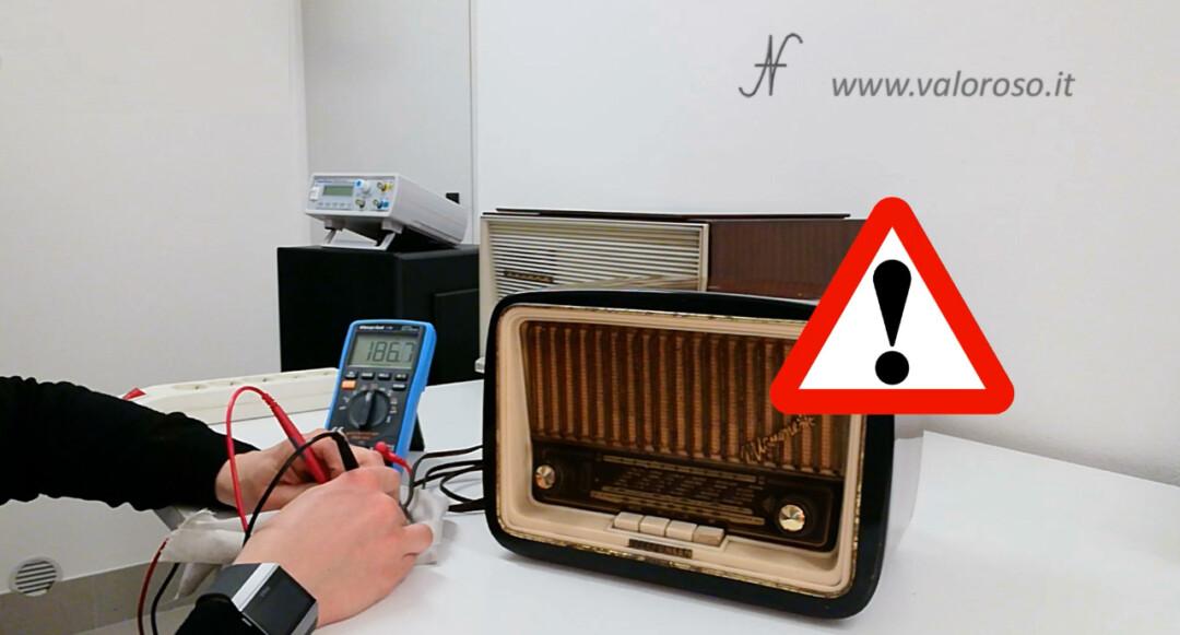 Radio a valvole Telefunken Mignonette MF R210, valvolare radio epoca vintage, prova corto circuiti, prova dispersioni tester multimetro ohm spina
