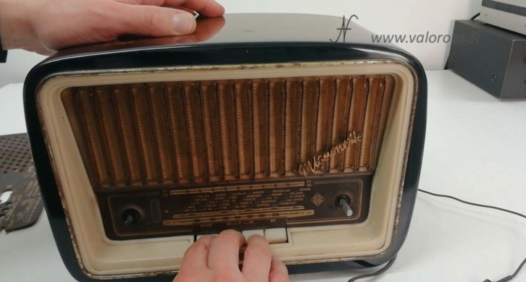 Radio a valvole Telefunken Mignonette MF R210, valvolare radio epoca vintage, smontare rimuovere uscire telaio selettore spostare banda om oc mf onde medie, onde corte, modulazione frequenza FM