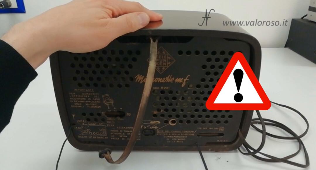 Radio a valvole Telefunken Mignonette MF R210, valvolare radio epoca vintage, smontare togliere svitare schienale pannello posteriore