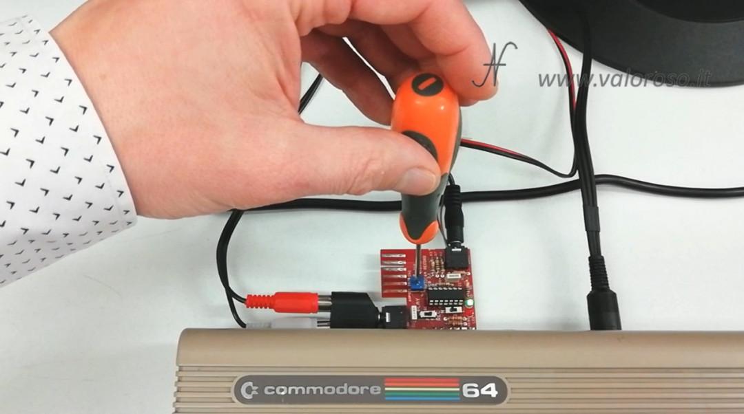 Registratore a bobine collegato al Commodore 64 MP32C64 C64 regolazione volume registrazione