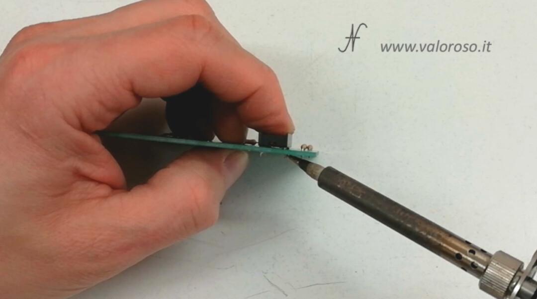 Welding straightening socket integrated circuit