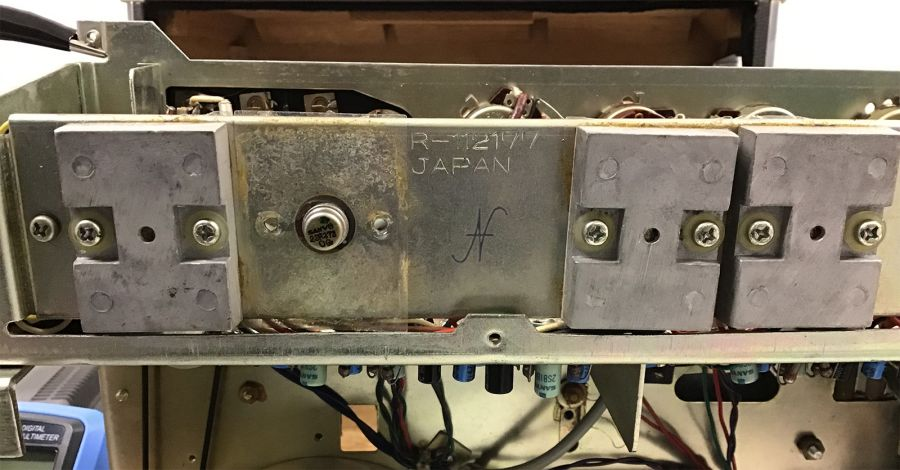 Sanyo MR-909, transistor 2SB373, alette