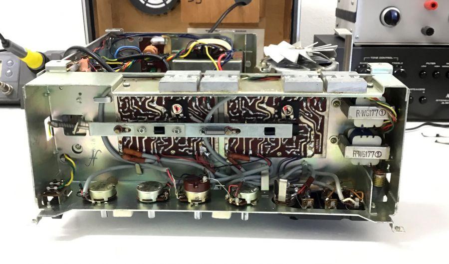Sanyo-MR-909, magnetofono, saldature scheda elettronica, trimmer, potenziometri