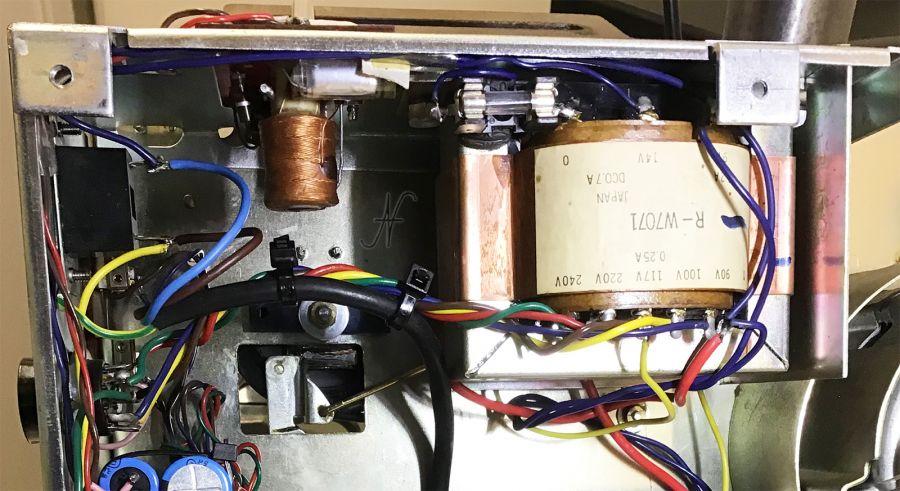 Sanyo-MR-909, magnetofono, registratore bobine, registratore nastro, fusibile, sicurezza, messa a terra