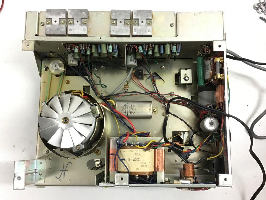 Sanyo MR-909 smontato, retro, magnetofono, registratore 4 tracce