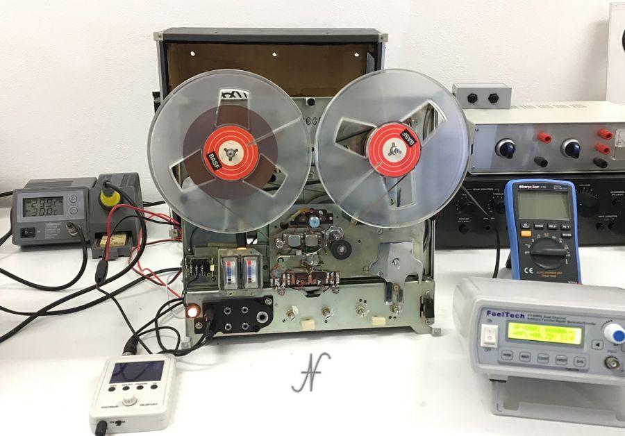 Sanyo MR-909 MR-929 smontato, test, prova, generatore di segnale, oscilloscopio, saldatore, multimetro digitale