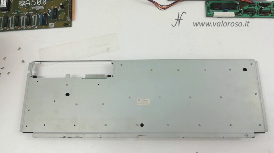 Replacement keyboard membrane Commodore Amiga 500 A500, unscrew rear screws