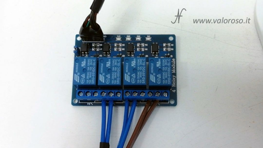 Stufetta elettrica interfaccia 4 uscite relay rele 10 Ampere 10A, user port Commodore 64 fotoaccoppiatori, alimentazione 5V