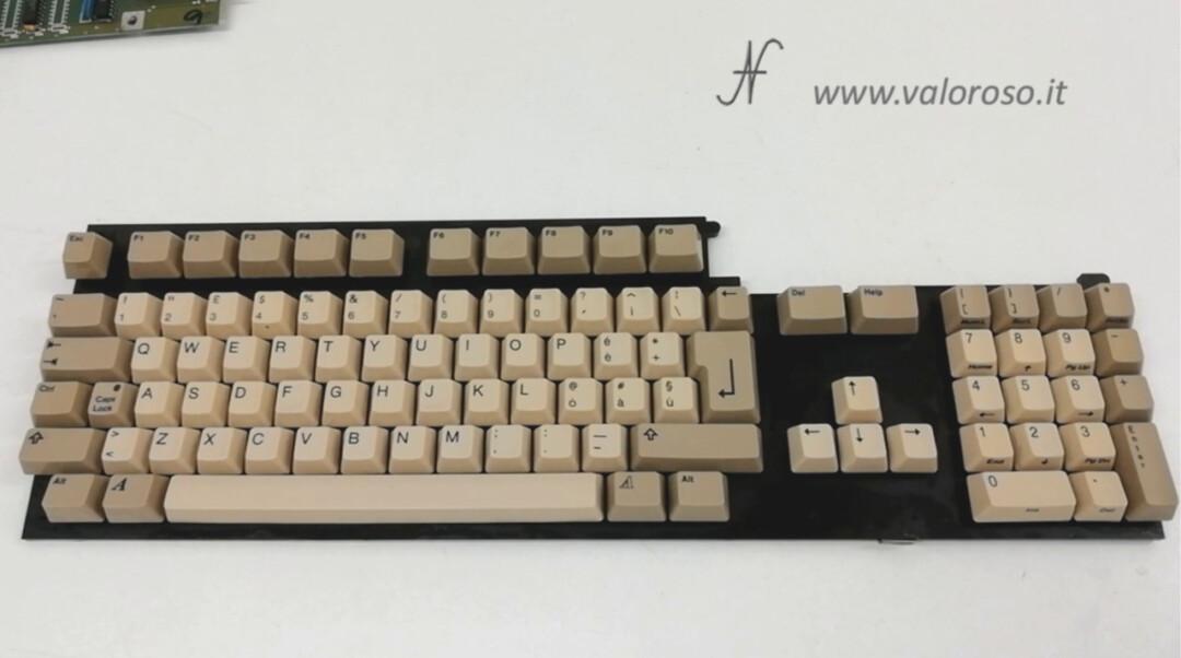 Commodore Amiga 500 keyboard, clean clean