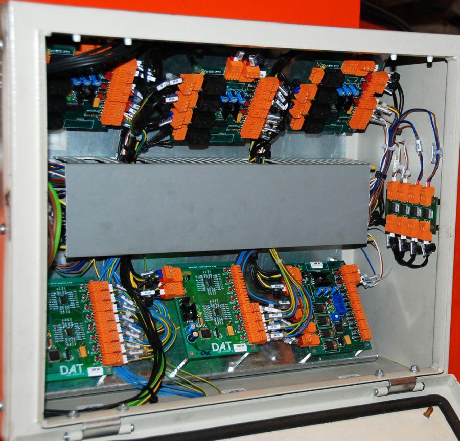 DAT X2, centralina per attrezzature di sollevamento, pannello di controllo, elettrovalvole, DAT instruments, Amedeo Valoroso