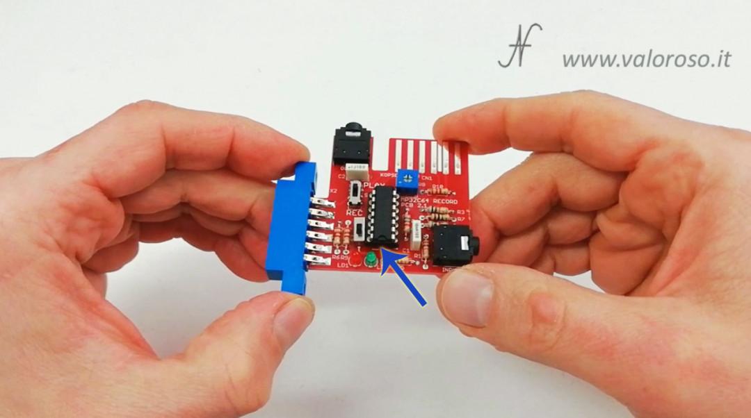 Tutorial saldatura circuito elettronico, montare integrato su zoccolo dritto, tacca verso riferimento